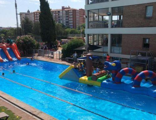 Veniu a gaudir dels inflables a la piscina del Laietà!